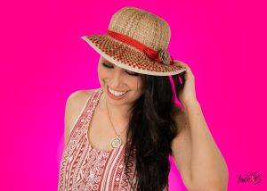 Belen Ledesma - Mujer latina